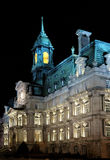 Cidade salão de Montreal na noite fotos de stock royalty free