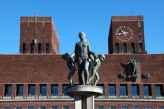 Cidade salão de Oslo Imagens de Stock Royalty Free