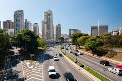 Cidade Sao Paulo da avenida do tráfego Foto de Stock Royalty Free