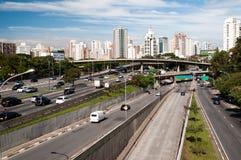 Cidade Sao Paulo da avenida do tráfego Fotografia de Stock
