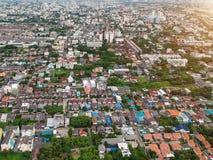 Cidade Tailândia de Banguecoque na vista aérea na luz da noite Imagem de Stock Royalty Free