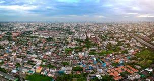 Cidade Tailândia de Banguecoque na vista aérea na luz da noite Fotos de Stock
