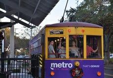 Cidade Teco Tram de Ybor completamente com passangers fotos de stock royalty free