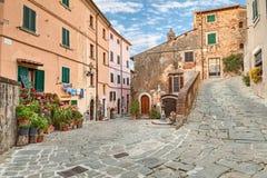 Cidade velha Castagneto Carducci, Toscânia, Itália Fotografia de Stock