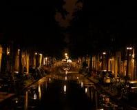 Cidade velha da noite Canal estreito Fotografia de Stock Royalty Free
