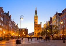 Cidade velha de Gdansk com a câmara municipal na noite Fotografia de Stock