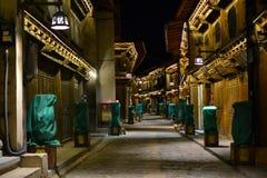 Cidade velha de madeira do La de Shangri, Xianggelila, Zhongdian, da província de Yunnan, perto de Tibet, China fotografia de stock royalty free