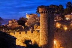 Cidade velha de Tossa de Mar na noite Fotos de Stock Royalty Free