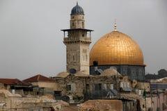 A cidade velha do Jerusalém com a vista da mesquita do aqsa do Al Fotografia de Stock