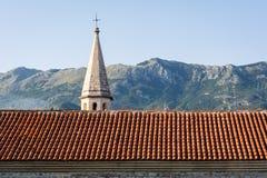 Cidade velha em Budva em um dia de verão bonito, Montenegro fotografia de stock