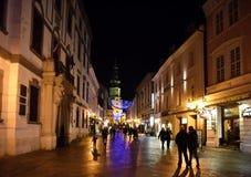 Cidade velha em uma noite, Bratislava 2016 Imagem de Stock