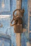 Cidade velha Grécia de Mykonos do obturador e do cadeado da casa da margem Imagens de Stock