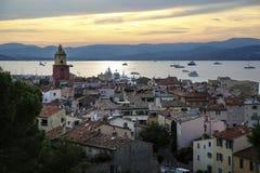 Cidade velha histórica de St Tropez, um recurso popular no mar Mediterrâneo, Provence, França foto de stock royalty free