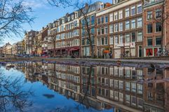 A cidade velha maravilhosa de Amsterdão, Netherland imagens de stock