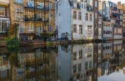 A cidade velha maravilhosa de Amsterdão, Países Baixos fotos de stock royalty free
