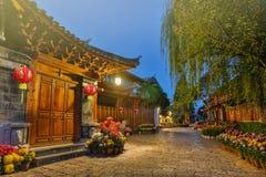 Cidade velha no amanhecer, Lijiang Yunnan de Serene Lijiang, China imagem de stock