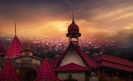 Cidade velha no por do sol Bandeiras abstratas muçulmanas do cumprimento Imagem de Stock Royalty Free