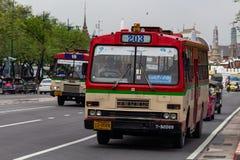 Cidade velha Tailândia de Banguecoque do ônibus local imagens de stock royalty free