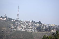 Cidades novas da montanha na Índia foto de stock royalty free