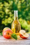 Cidre ou vinaigre d'Apple image stock