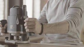 Cieśla fund krawędź drewniana deska polerowniczą maszyną wytwórca czek zbiory wideo
