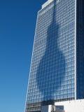 Cień Berlin TV Wierza przy wysokim budynkiem Fotografia Stock