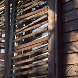 Ciechi di legno nocivi fotografia stock libera da diritti