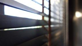 Ciechi di legno di Windows dei ciechi degli otturatori fotografie stock