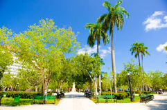 CIEGO DE AVILA, KUBA - 5. SEPTEMBER 2015: Im Stadtzentrum gelegen Lizenzfreies Stockbild
