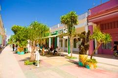 CIEGO DE AVILA, KUBA - 5. SEPTEMBER 2015: Im Stadtzentrum gelegen Stockbilder