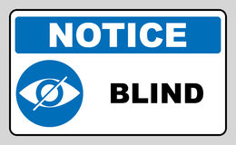 Ciego firme adentro el círculo azul, etiqueta del aviso Icono del ojo cruzado Logotipo plano simple del ojo del strikethrough en  Foto de archivo