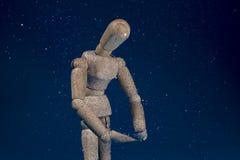 Ciekawy mannequin doświadcza deszcz Zdjęcia Stock