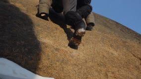 Cieki arywista w mountaineering inicjują zbliżenie zbiory