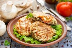 Cielęcina Orloff lub mięso w Francuskim - mięso z pieczarka pomidorów oni Obraz Stock