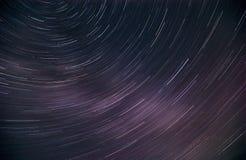 Ciel étoilé tiré à une longue exposition image stock