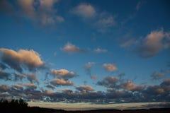Ciel étonnant au coucher du soleil dans Kazakhstan Photographie stock