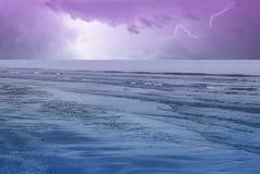 Ciel étonnant au-dessus de l'océan Image libre de droits