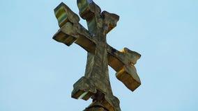 Ciel arménien de croix d'église banque de vidéos