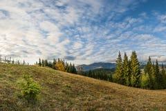 Ciel au-dessus de la colline Image stock