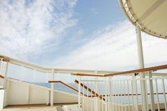 Ciel au-dessus du bateau photographie stock libre de droits