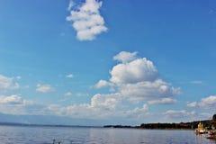 Ciel avec de l'eau Photographie stock libre de droits