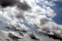 Ciel avec des nuages Images stock