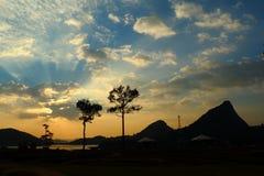 Ciel avec des nuages au coucher du soleil Photo libre de droits
