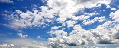 Ciel bleu Images stock