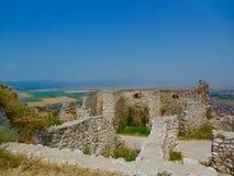 Ciel bleu au-dessus des ruines Images libres de droits