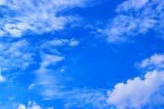 Ciel bleu avec le fond 171016 0085 de nuages Images libres de droits