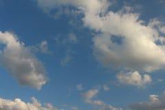 Ciel bleu avec le nuage Images libres de droits