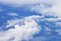 Ciel bleu avec le nuage nuages de ciel bleu de vue aérienne, fond de nature photos libres de droits