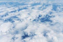 Ciel bleu clair et vue aérienne de nuages Photo libre de droits