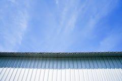 Ciel bleu clairement beau avec le feuillard photo stock